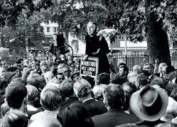 В гайд парке ораторы начали выступать еще 200 лет назад
